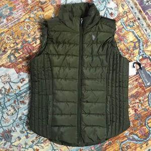 Polo   NWT Green Puffer Vest Size Medium